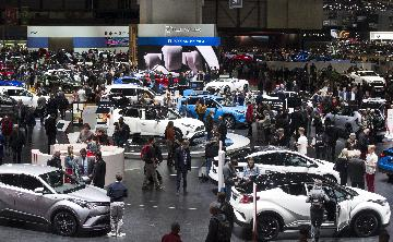 China mulls more incentives to boost auto consumption
