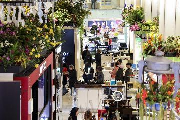 財經觀察:美國零售業遭遇關稅和經濟逆風雙重威脅