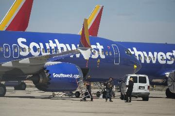 "Boeing denies ""intentional"" deactivation of disagree alert on 737 MAX"