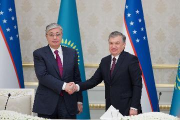 哈萨克斯坦总统访问乌兹别克斯坦 双方表示将加强两国战略伙伴关系
