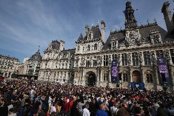 """[專題]""""全人類""""的巴黎聖母院:為什麼民眾被要求這麼做?"""