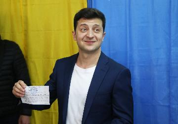 Why actor Zelensky wins Ukraines presidential election