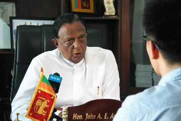 """專訪:""""我們必須重新振作""""--訪斯里蘭卡旅遊部長阿馬拉通加"""