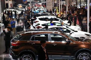 China auto sales fall 14.6% on year in April, 10th month of decline