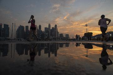 Forecasters lower Singapores GDP growth prospect for 2019 to 2.1 pct