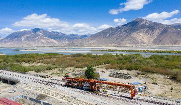 西藏迎來重點項目施工建設黃金時期