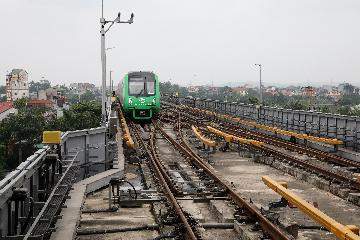 中企承建越南首条城市轻轨完成运营演练