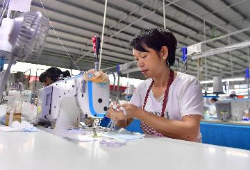 Chinese enterprises see relieved financial burdens