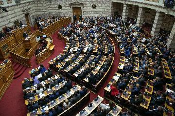 希臘新政府贏得議會信任投票
