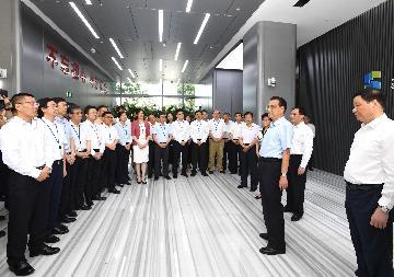 李克强在上海考察时强调  以更大力度改革开放促发展惠民生