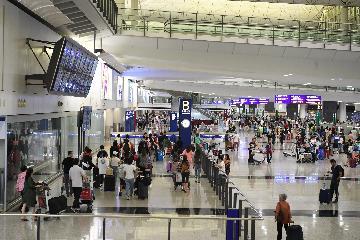 香港国际机场8月客货运量均下降逾10%