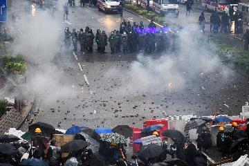 重溫鄧小平關於香港問題的重要講話 堅定維護香港特別行政區憲制秩序