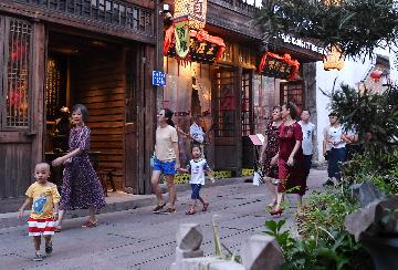 Culture, travel become main forces to boost consumption