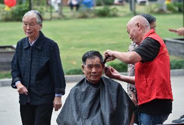 香港老人到广东、福建养老可申领长者生活津贴