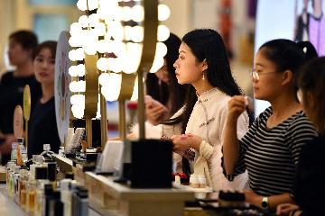 海南离岛免税销售额去年增幅超三成
