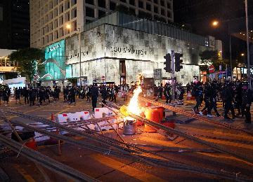 香港特区政府强烈谴责暴徒肆意破坏社会安宁