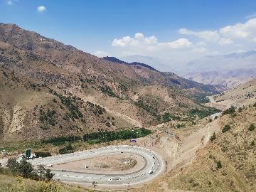 通讯:新运输走廊提升中国与中亚区域合作