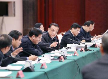 Chinese premier stresses steady economic development, peoples livelihood
