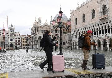 Natural disasters taking toll on Italys tourism sector: analysts