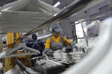 China to take multi-pronged measures to keep employment stable