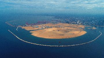 """通讯:""""五年我们为斯里兰卡造出一片新土地""""--科伦坡港口城人的自豪与希冀"""