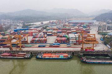 Chinas foreign trade up 3.4 pct in 2019
