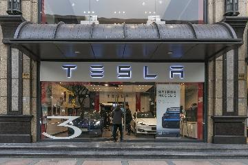 Across China: Shanghai-built Tesla popular in China after new tax break