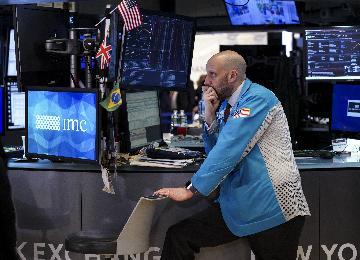 财经观察:金融市场或继续波动 疫情应对措施受关注