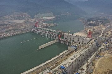 Chinas power generation decreases in first two months