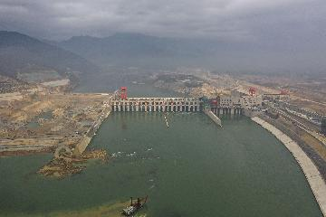 China resumes construction of key water conservation projects