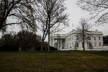 白宫发布美国公众应对新冠疫情指南