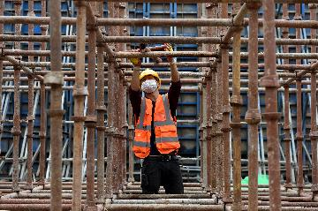 Chinas iron and steel industry maintains steady growth