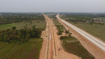 1st track laid as China-Laos railway construction proceeds steadily