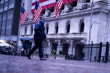 """疫情何以扼住美国经济增长""""命脉""""?"""