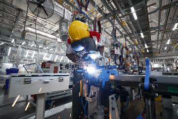 记者观察:多项指标加速改善 中国经济暖意渐浓