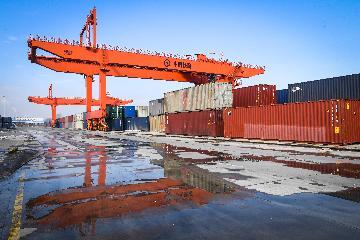 前两个月中国服务进出口总额同比下降11.6%