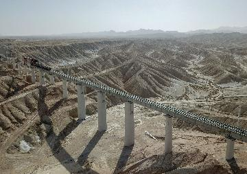 Xinjiang accelerates construction, resumption of key projects