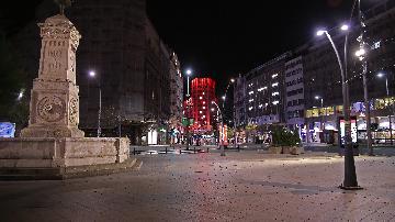 塞爾維亞在中國專家建議下建方艙醫院