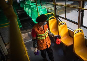 武漢恢復運營100餘條公共交通線路助力復工複產