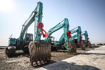 宝马新工厂开业 外资持续看好中国