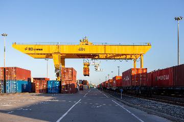 平台建设、政策支持助推重庆外贸进出口逆势增长