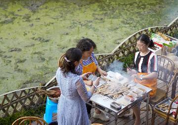 """中国游客青睐""""慢生活""""度假游"""