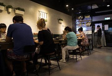 台湾4月餐饮业营业额现史上最大跌幅