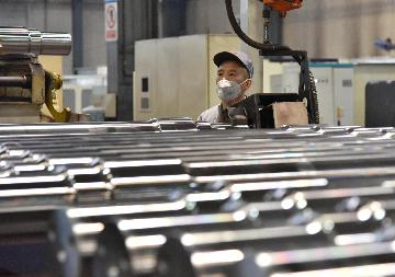 Chinas economic recovery consolidates, but uncertainties remain