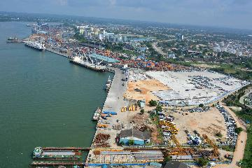 Chinese firms upgrade Tanzanias largest port to bolster handling capacity