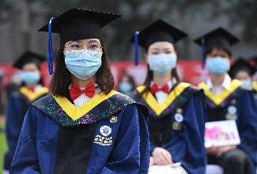 Salary of Chinas fresh graduates sees steady growth: report