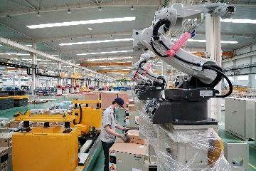 Chinas industrial robot output up 19.1 pct in 2020
