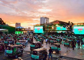 """通訊:疫情新常態下的新嘗試--泰國舉辦""""嘟嘟車""""音樂會"""