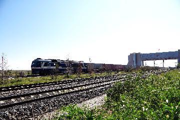 金华-巴库中欧班列首发