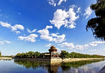 Beijing to increase tourism capacity with caution during holiday